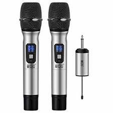 Micrófonos inalámbricos de color gris y negros